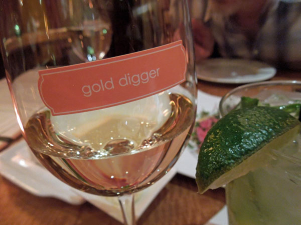 az-gold-wine-web