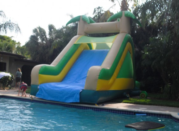 Giant Blow-up Water Slide for your Pool