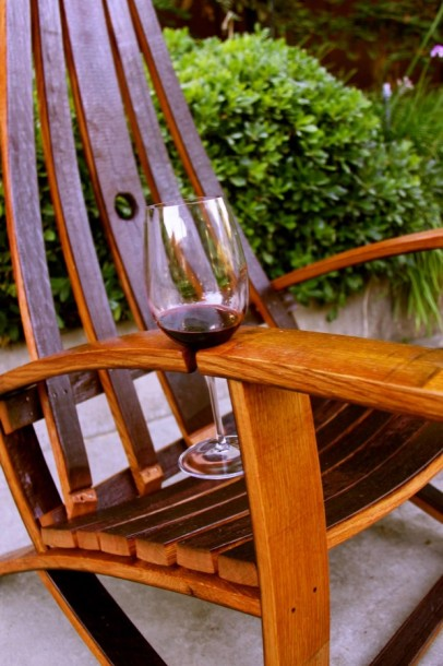 Instant Wine Holder for your Patio Furniture