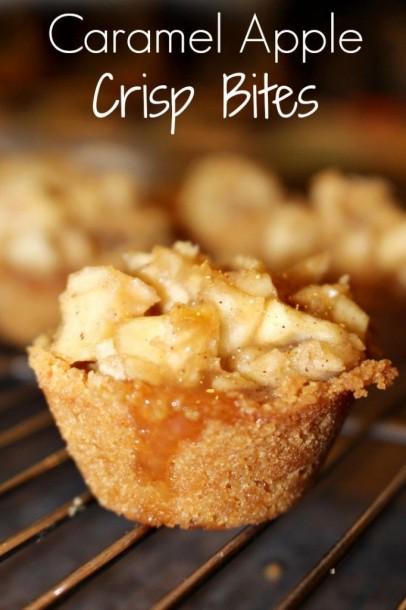 mini apple crisp cups