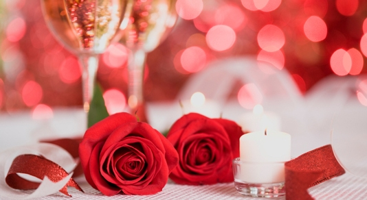 valentines red roses champagne