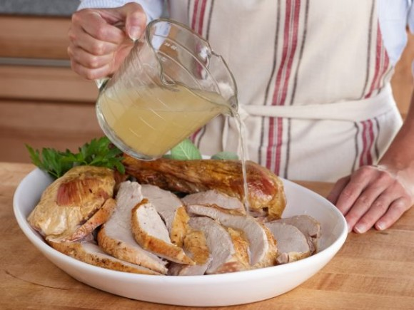 FN_Chicken-Broth-as-Turkey-Reviver_s4x3.jpg.rend.snigalleryslide