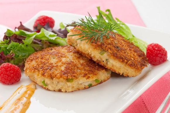 low-carb-crab-cakes-with-mustard-sauce_40111