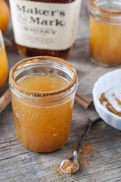 pumpkin-spice-whiskey-cocktail